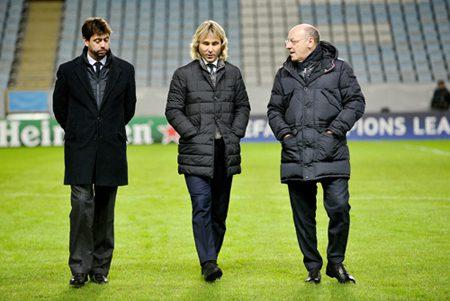 Clamoroso, la Juve si ributta su Douglas Costa: incontro con l'agente