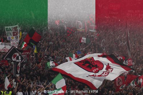 Milan, Biglia si presenta ai tifosi ed è subito gaffe: