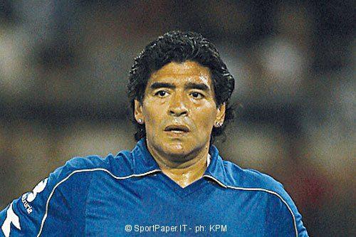 Maradona risponde a Dani Alves: