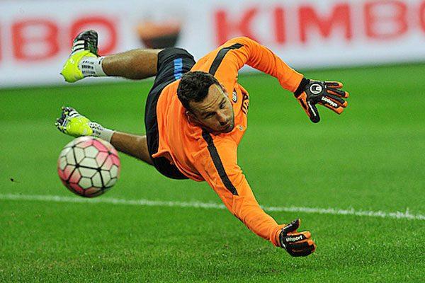 Calciomercato Inter, rinnova Handanovic: contratto fino al 2021